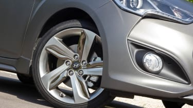 2012 Hyundai Veloster Turbo alloy wheel