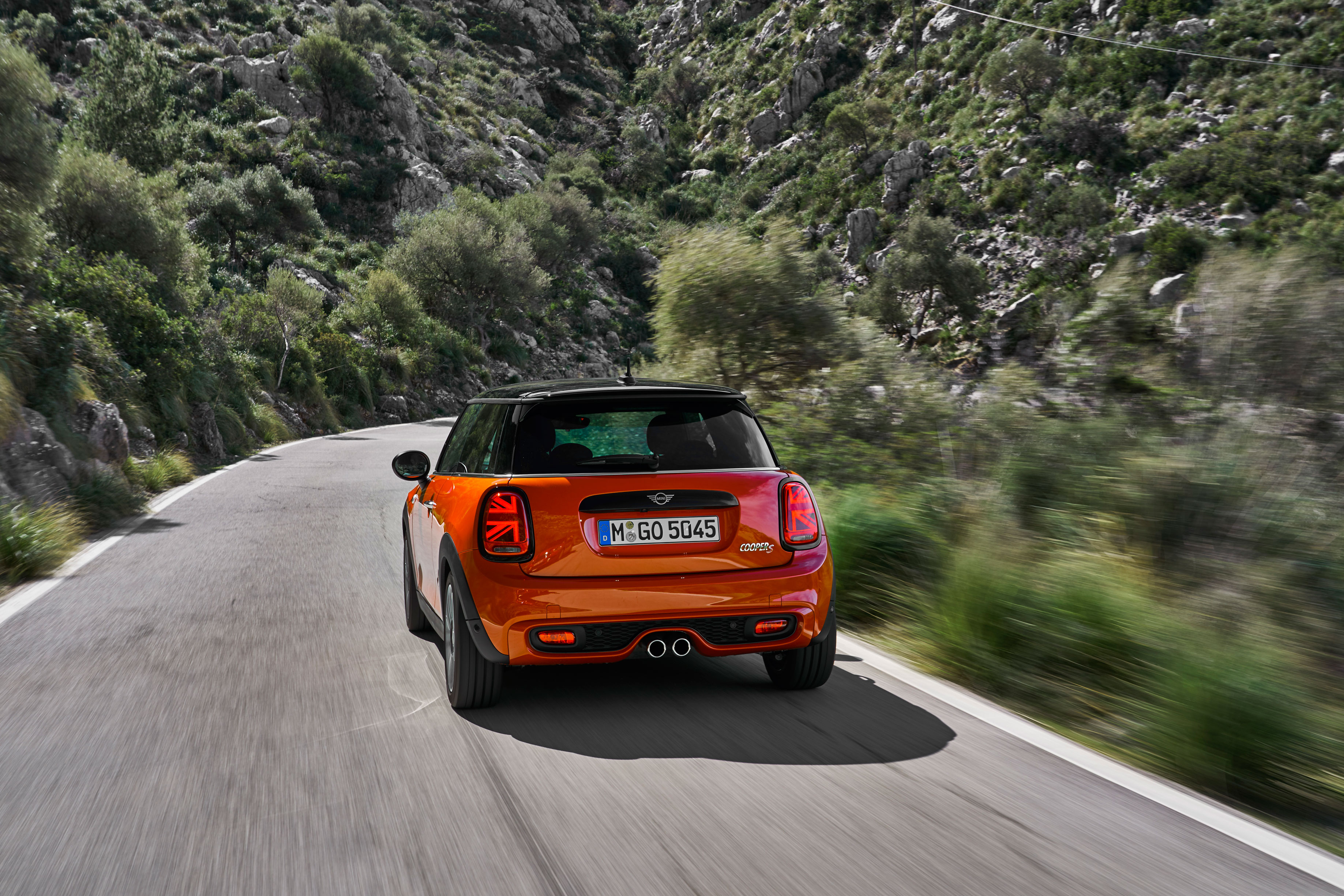 New Mini Cooper S review 2018 — has a mid-life update