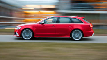 2013 Audi RS6 Avant red side profile