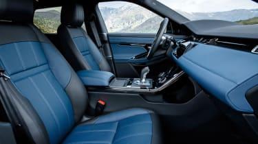2019 Range Rover Evoque silver - seats