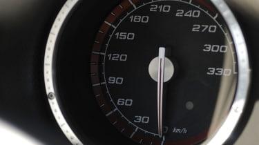 Alfa Romeo 8C Spider speedometer