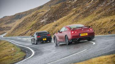 Nissan Skyline vs Nissan GT-R evo feature