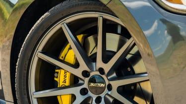 Sutton CS800 Mustang - Wheel