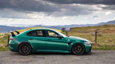 Alfa Romeo Giulia GTAm – side