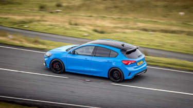 Ford Focus ST Edition – rear cornering