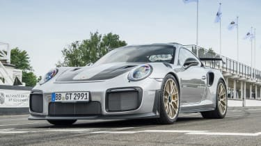 Porsche 911 GT2 RS - 991.2 track