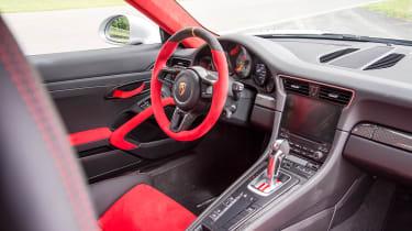 Porsche 911 GT2 RS - 991.2 interior