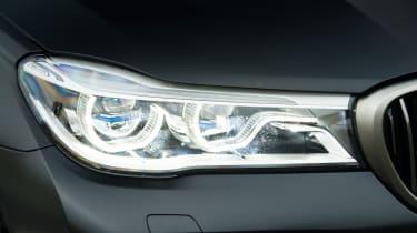 BMW M760Li xDrive - Headlight