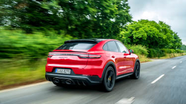 Porsche Cayenne Coupe GTS – rear tracking