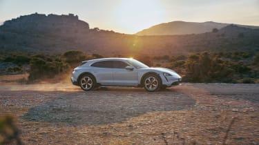 Porsche Taycan Cross Turismo - 4S profile