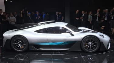 Mercedes-AMG Project 1 live - side