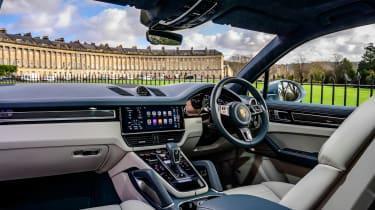 Porsche Cayenne Turbo S e-hybrid – cabin