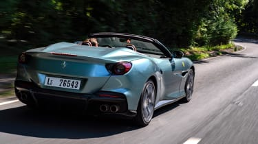 Ferrari Portofino M – rear tracking