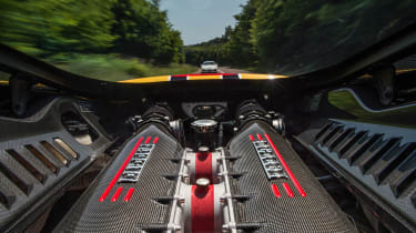Ferrari 458 Speciale and 911 GT3 - engine bay