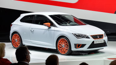 SEAT Leon Cupra 280 smashes FWD Ring record