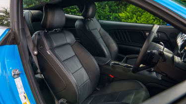 Ford Mustang GT - Seats