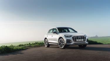Audi Q5 2021 – front quarter static