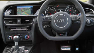 Audi RS4 Avant steering wheel interior