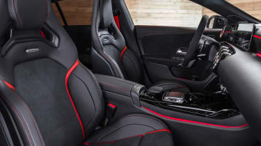 Mercedes-AMG CLA45 S Shooting Brake - seats