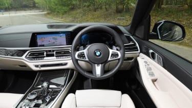 BMW X7 review - dash