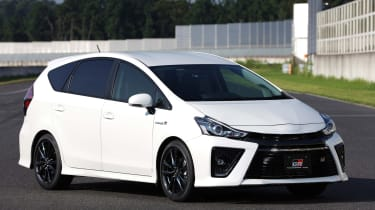 Toyota Prius α GR SPORT  - front quarter