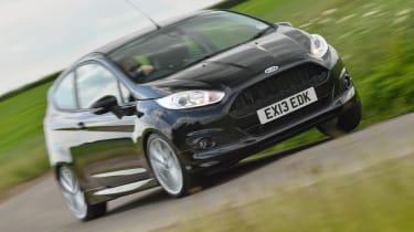 2013 Ford Fiesta 1.0 Ecoboost Zetec S cornering front