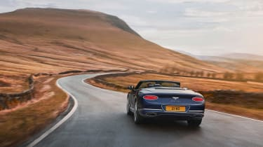 Bentley Continental GT Convertible Speed – rear tracking