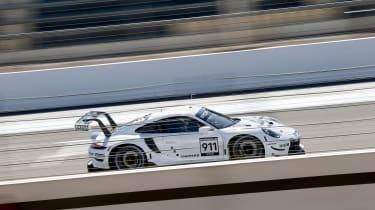 Porsche 911 RSR - side
