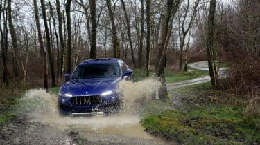 Maserati Levante - off roading