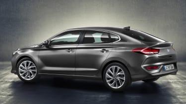 Hyundai i30 Fastback - rear 3.4