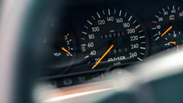 Mercedes-Benz 190E 3.2 AMG - Dials