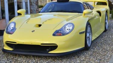 Porsche 911 GT1 Strassenversion yellow front