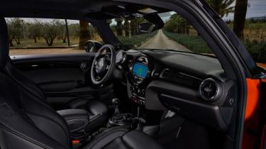 2018 Mini Cooper S hatch - dash