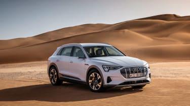 Audi e-tron 2019 offroad