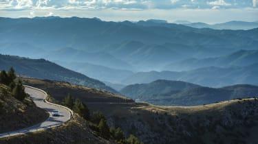 Aston Martin DB11 V8 - distance