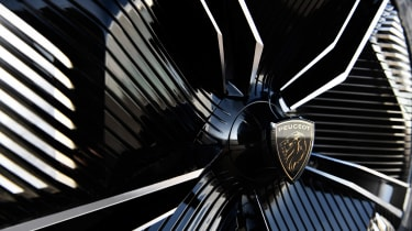 Peugeot e-Legend concept - wheel