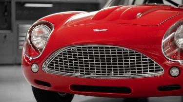 Aston Martin DB4 Zagato continuation - nose