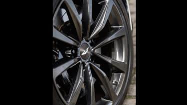 Aston Martin DB11 V8 - wheels
