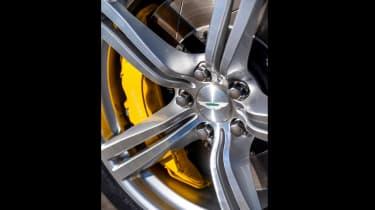 Aston Martin Cygnet V8 - wheels