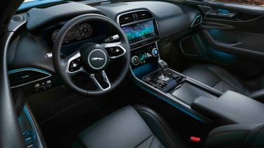 Jaguar XE facelift - dash