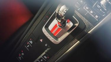 Porsche 911 GT2 RS - console