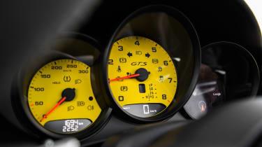 Porsche 718 Boxster GTS – instrument cluster