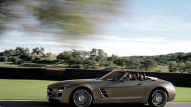Mercedes-Benz SLS AMG Roadster official pictures