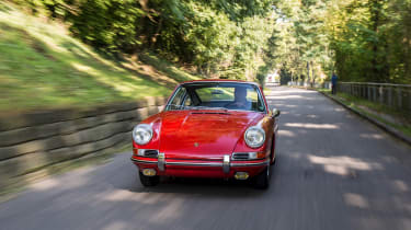 Porsche 911 barn - front