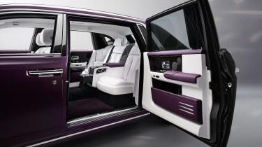 Rolls-Royce Phantom - rear seats