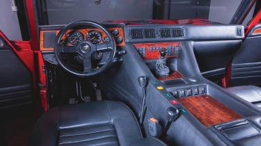 Lamborghini Lm002 - interior