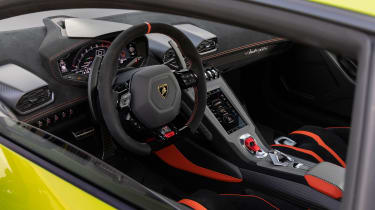 Lamborghini Huracan STO (International) – dash