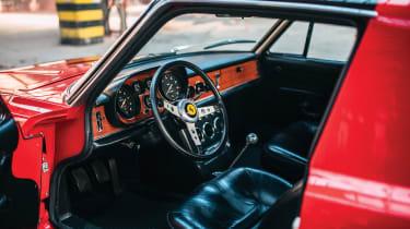 Ferrari 330 GTC Zagato - interior