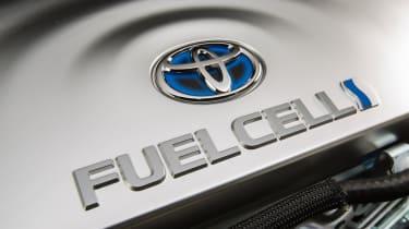 Hydrogen cars – toyota bay