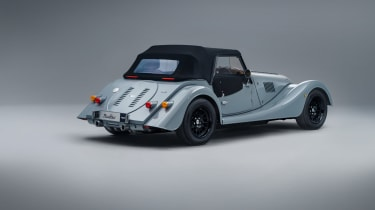 Morgan Plus Four MY22 –rear quarter roof up